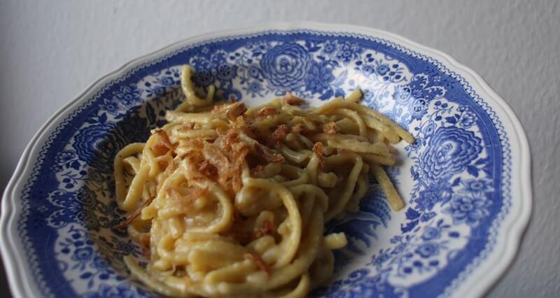 Kasspatzen Käsespätzle mit Röstzwiebeln Genuss-mit-fernweh.de