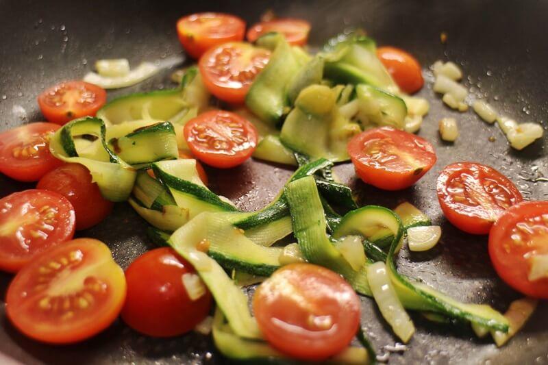 gebratene Zoodles Genuss-mit-fernweh.de Studentenküche