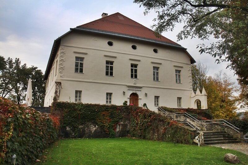 Must See Spots Klagenfurt Genuss-mit-fernweh.de Daniela Reh Maria Loretto Schloss