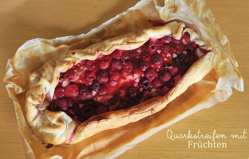 Quarkstreifen mit Früchten Genuss-mit-fernweh.de Blätterteigkuchen
