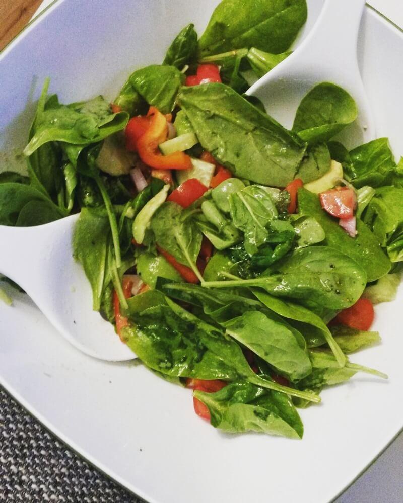 Mein Frühling - erste Sonne - Genuss-mit-fernweh.de - Spinatsalat - Gesundes Essen