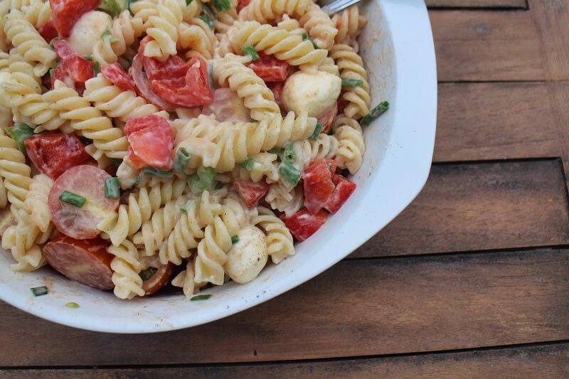 Nudelsalat - Grillsalat - schneller Salat - Sommersalat - Genuss-mit-fernweh.de