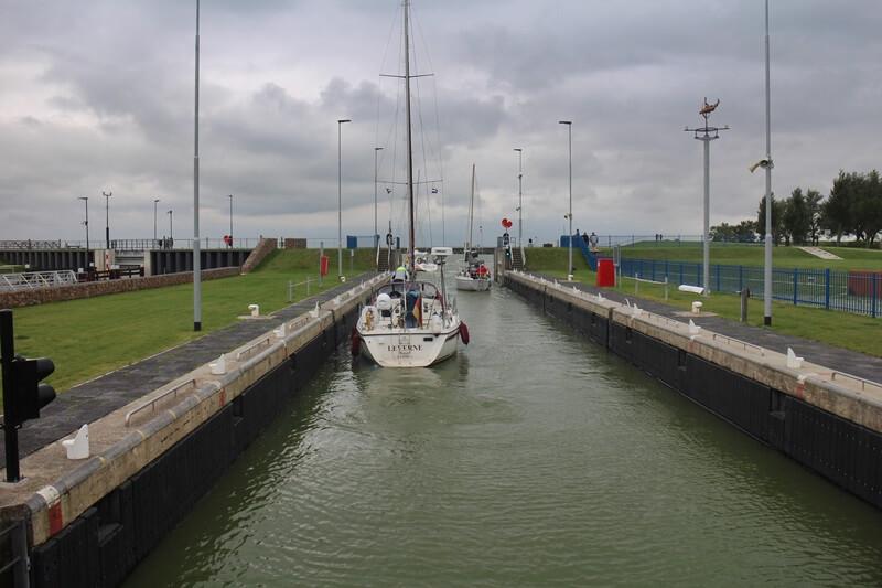 Stavoren Urlaub am Ijsselmer Genuss-mit-fernweh.de Friesland Entspannungsurlaub Niederlande Schleuse Außenhafen