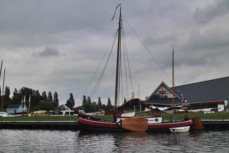 Stavoren Urlaub am Ijsselmer Genuss-mit-fernweh.de Friesland Entspannungsurlaub Niederlande Plattboot