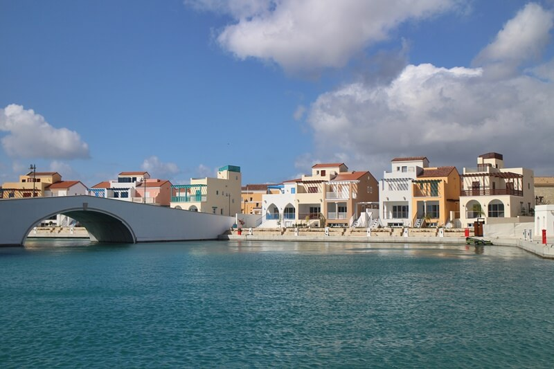 Limassol Genuss-mit-fernweh.de Reisebericht Zypern Hafen Neubauten