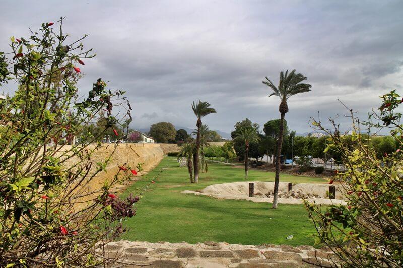 Stadtmauer Nikosia freier Teil Nikosia Hauptstadt Zypern Larnaka und Nikosia