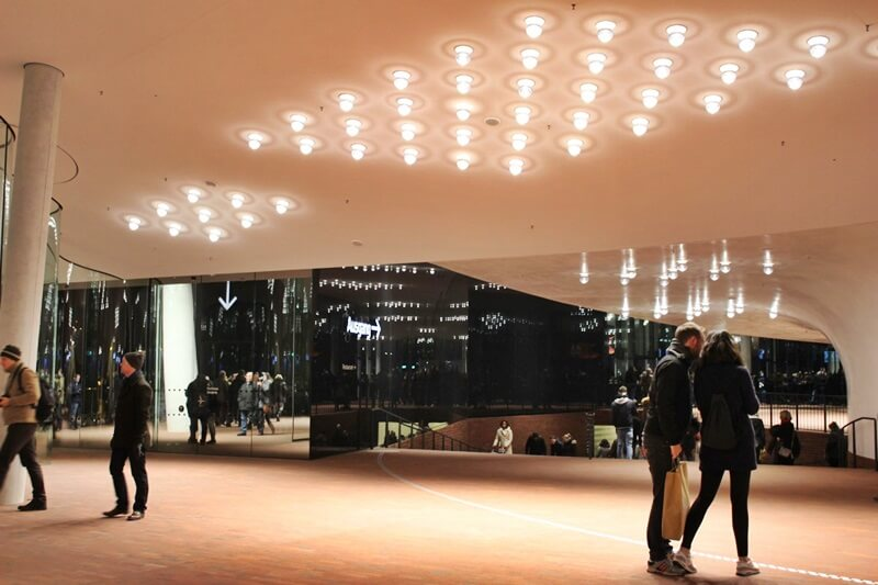 Reiseblog Was sollte man in Hamburg gesehen haben? Genuss-mit-fernweh.de Hamburg Elbphilharmonie von Innen