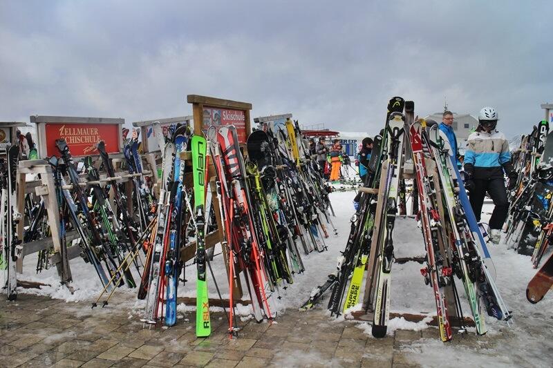 Skiurlaub Going am Wilden Kaiser Skigebiet Wilder Kaiser Reiseblog genuss-mit-fernweh.de Skiständer