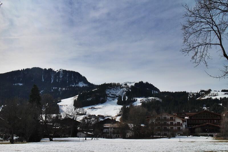 Kitzbühel Städtetrip Tirol Österreich Genuss-mit-fernweh.de Reiseblog Hahnenkammrennen Rennstrecke Alpen