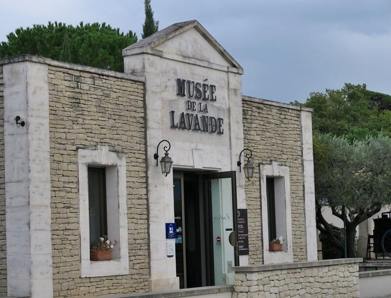 Lavendelmuseum Le Château du Bois Coustellet Provence Lavendel Reiseblog Genuss-mit-fernweh.de