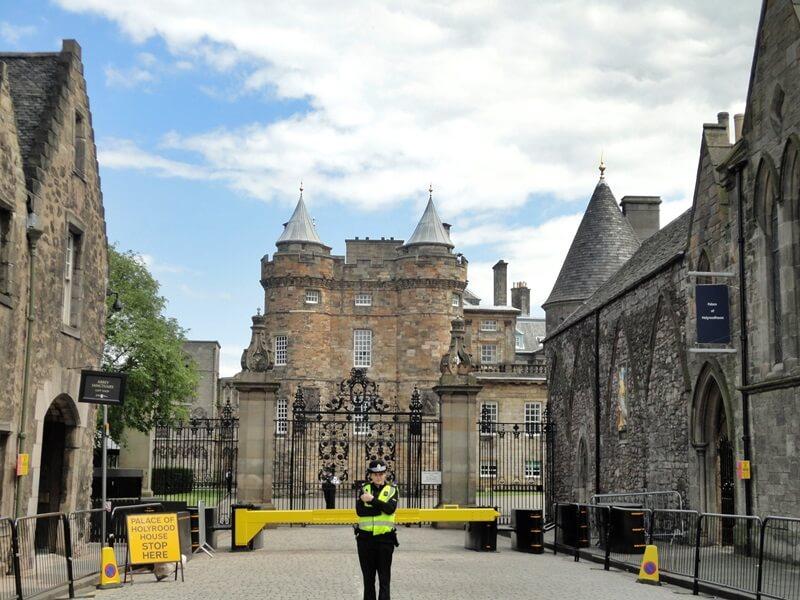 Schottland Inspirationen Reiseblog Genuss-mit-fernweh.de Edinburgh Holyrood Palace Edinburgh