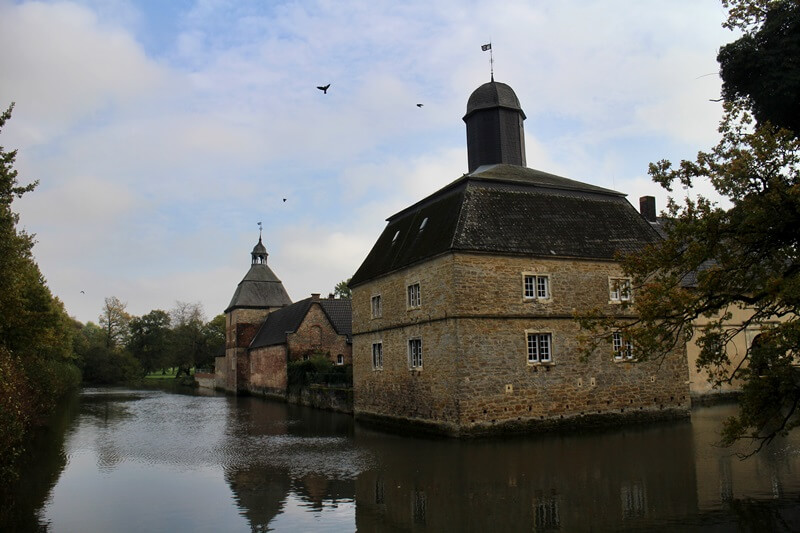 Schloss Westerwinkel Münsterland Genuss-mit-fernweh.de Tagestrip Ausflugsziel Münsterland Wassergraben